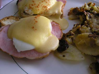 Peters_eggs_benedict